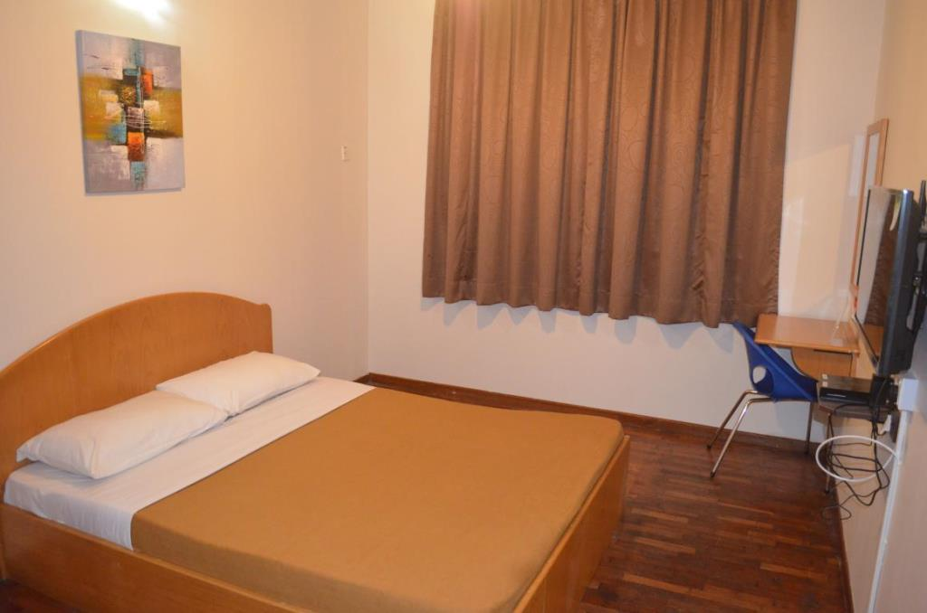Double Room With Shared Bathroom  U2013 Check In Hotels Cameron