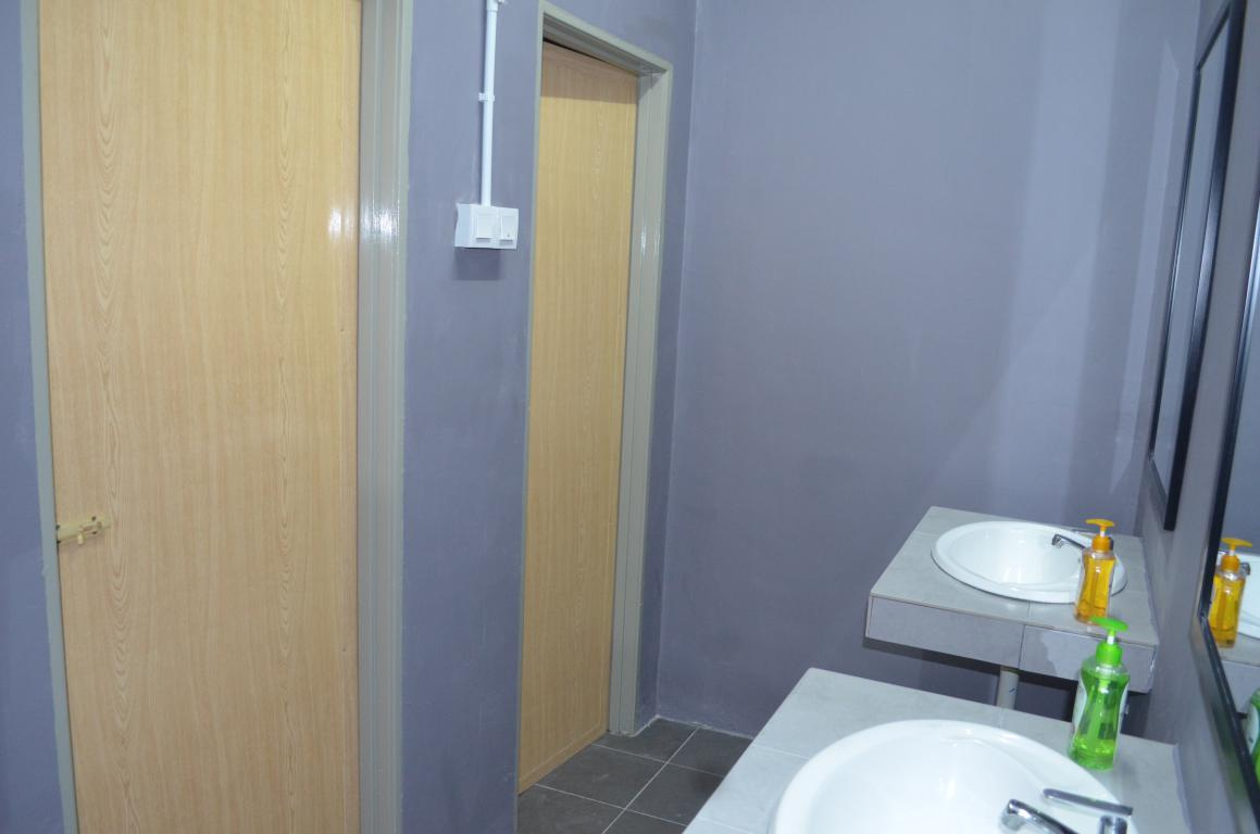 Quad Room Shared Bathroom Check In Hotels Cameron
