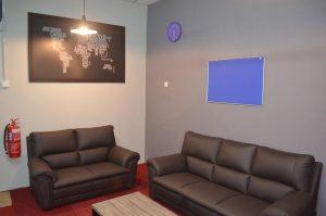 Lounge Area (2-1)